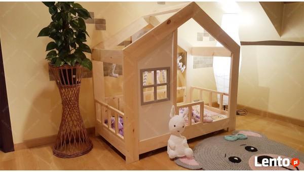Łóżko domek dla dziecka z barierkami z szufladą