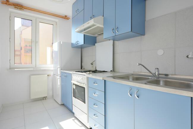 Oddzielna kuchnia, blisko centrum, 40m2, dwa pokoje, balkon