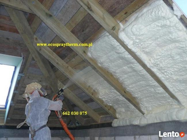 Ocieplenie dachu poddasza pianka