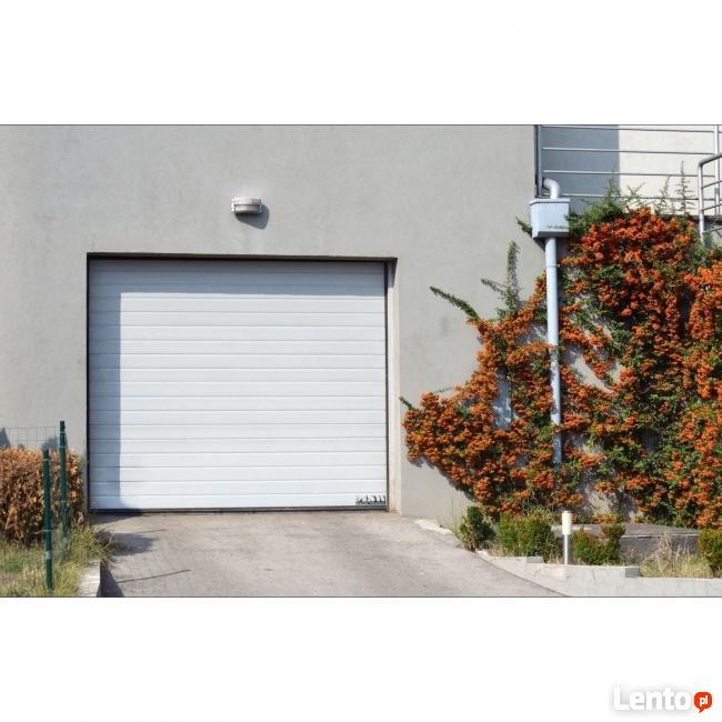 Segmentowa brama garażowa wraz z napędem 2,5m 2 piloty LED