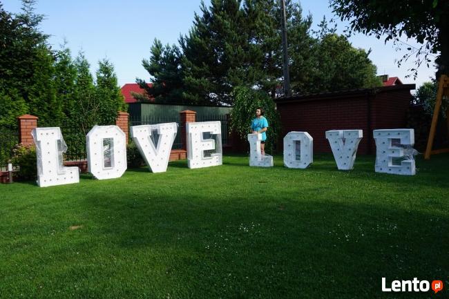 Napis Love 3D foto budka ciężki dym czerwony dywan