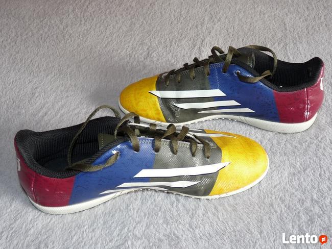 Buty sportowe Adidas do piłki nożnej dla chłopca rozm. 36