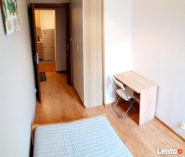 Pyc. Bepc. 1-osobowy pokój 9 m2 na Al. 29 Listopada