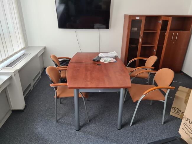Likwidacja biura, meble biurowe, biurka, stoły, krzesła
