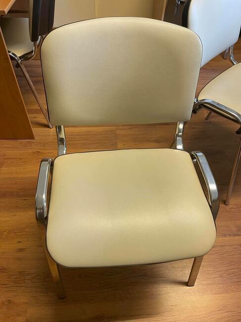 na sprzedaż krzesła biurowe