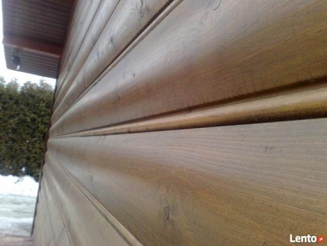 piękna elewacja drewniana pólokrągła