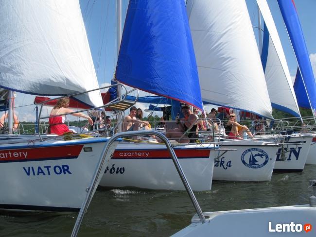 żeglarzy, sterników jachtowych, instruktorów żeglarstwa