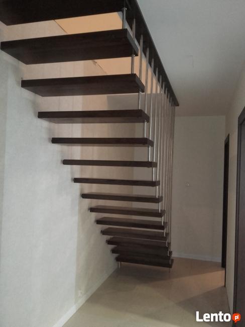 Schody i podłogi drewniane.  LEGAR-stolarstwo.