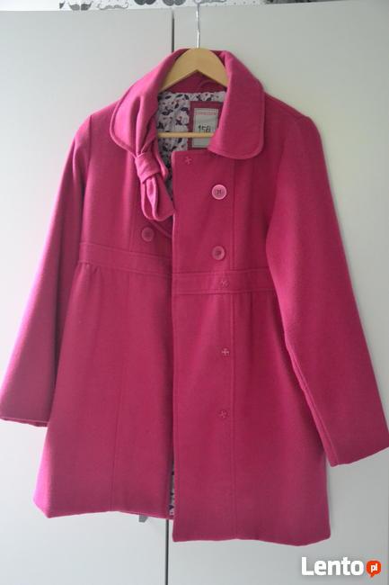 Sprzedam piękny, różowy płaszczyk, stan idealny.