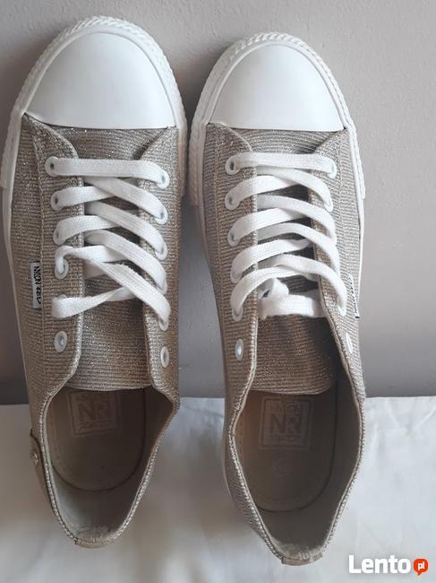 Buty Pomorskie damskie i męskie, obuwie sportowe, sandały i