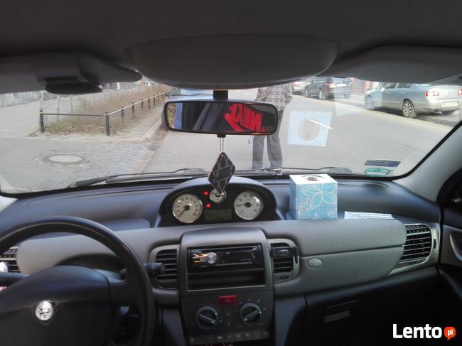 Sprzedam Lancia Ypsilon 1.2 PB klimatyzacja