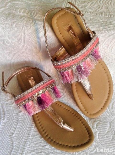 Złote sandałki w stylu boho - nowe