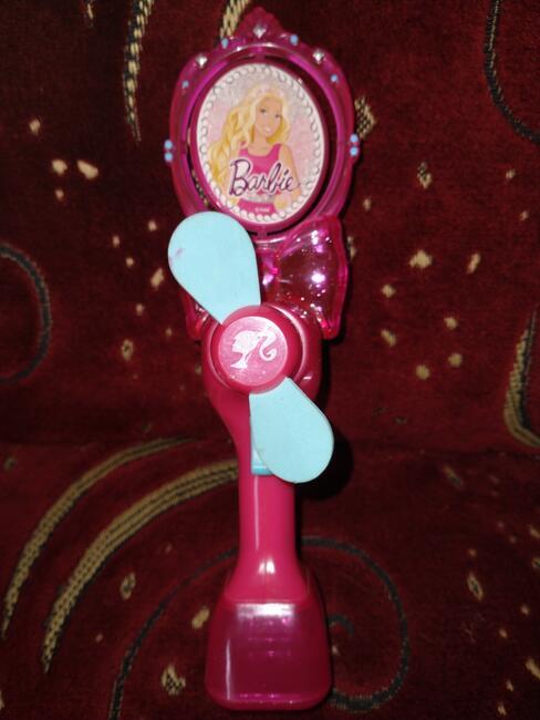 Wiatraczek na baterie Barbie