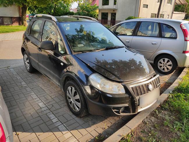 Fiat Sedici uszkodzony