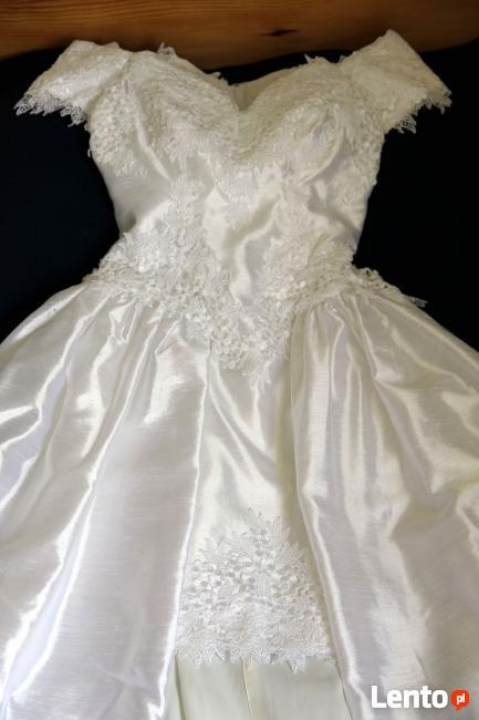 Bardzo lekka suknia z Japonii