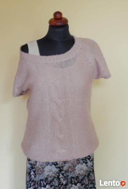 Pudrowy sweterek z warkoczem L