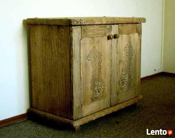 Komoda z litego drewna - ręcznie rzeźbiona