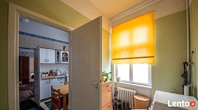 Sprzedam mieszkanie z garażem i działką.