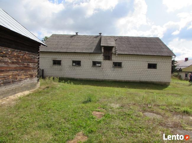Dom z działka i budynkami gospodarczymi