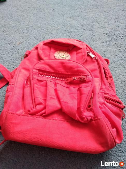 plecak czerwony