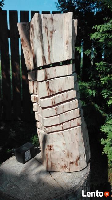 Lampka nocna z pnia drewna