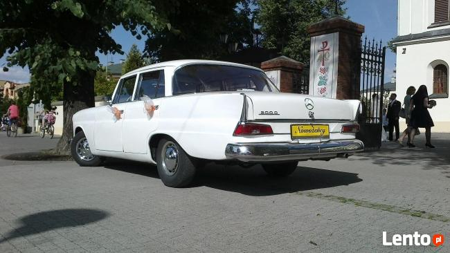 Wjedż z klasą w Nowe Życie Mercedes do ślubu z 1963 roku