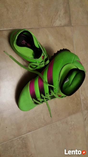 adidasy: podeszwy jak korki