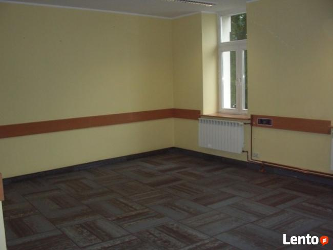 Lokal biurowy w kamienicy na II piętrze ul.Ciepła