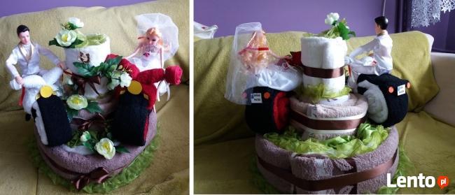 Tort z ręczników bukiet prezent
