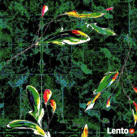 Materiał z nadrukiem wzoru: Liście na zielonym dywanie