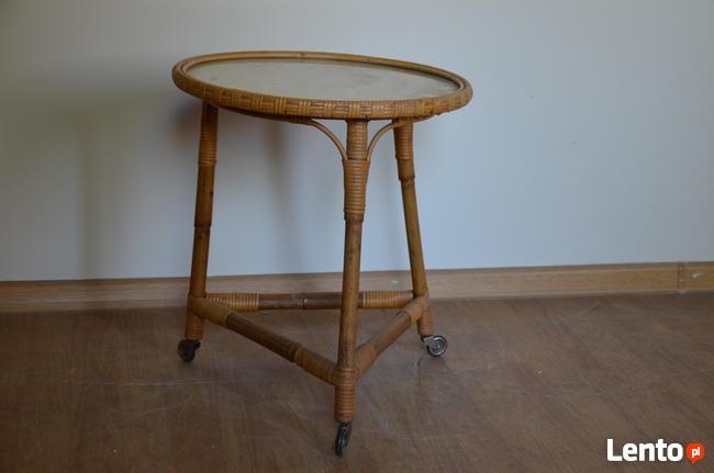 Niemiecki ratanowy stolik okrągły kawowy na kółkach, Meble