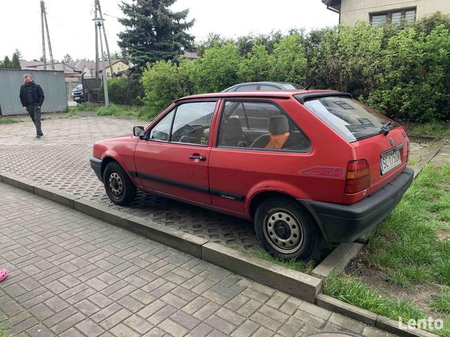samochód osobowy marki VW Polo