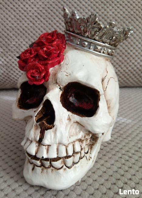 Brokatowa czaszka w koronie skull czerwone róże