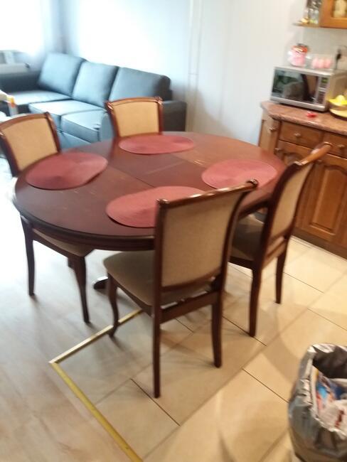 sprzedam stół i 4 krzesła
