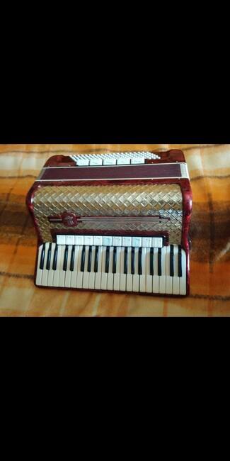 Sprzedam akordeon Welmeister 120basów cztero-chórowy