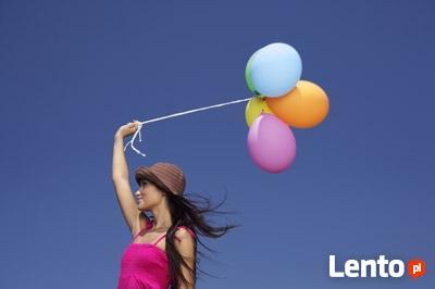 Napełnianie balonów Helem.Duży prezent z balonami
