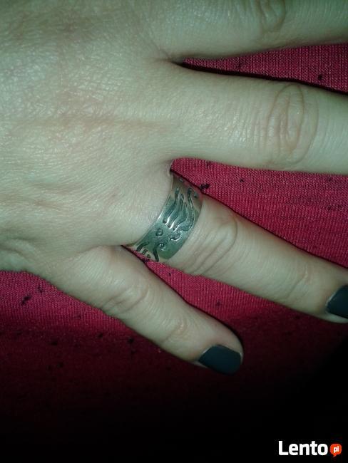 Pierścionek (obrączka) z wzorami - srebrna