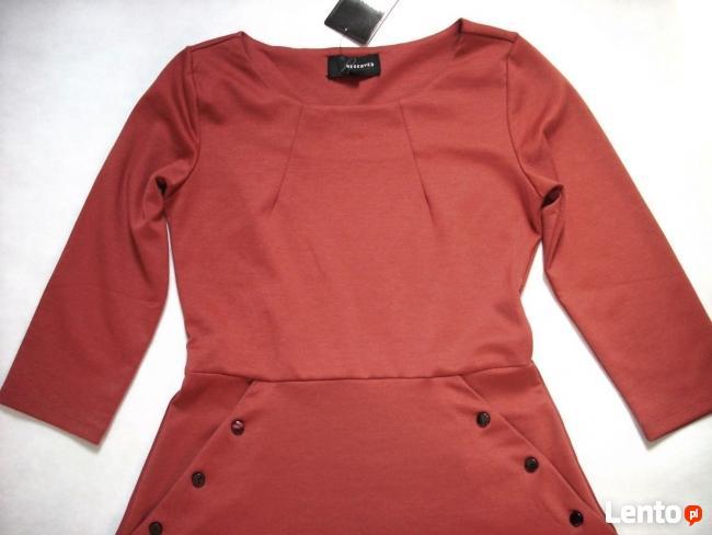 RESERVED Modna Sukienka na Czasie 40 L