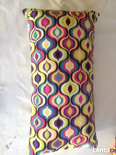 Hit sezonu - kolorowe poduszki dekoracyjne