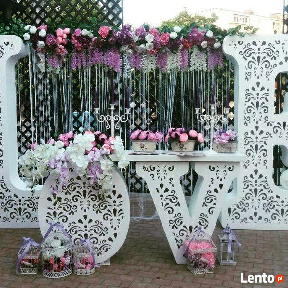 Duże litery LOVE. Stół LOVE na wesele