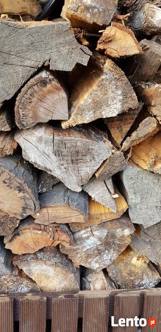 Drewno suche do kominka, pieca