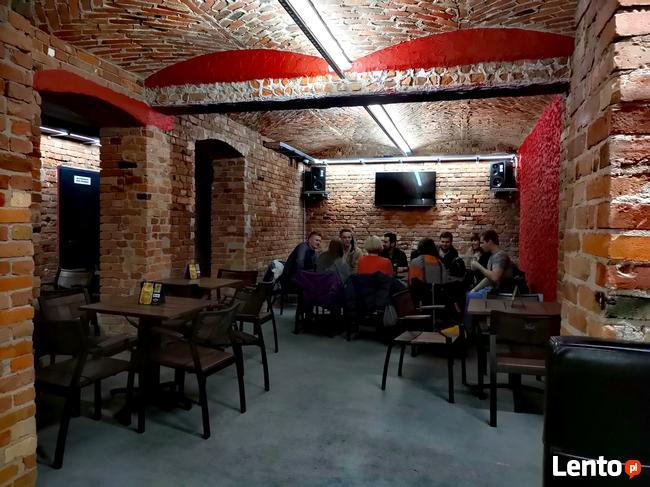 Odstąpię Pub - 200m2 - czynny Bar lada długość 12 m