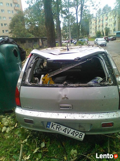 Sprzedam uszkodzony samochód