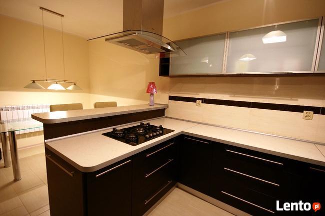 Meble kuchenne i pokojowe na wymiar, szafy, komody, stolarz