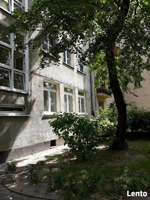 Stara Ochota, ul. Asnyka, 34 m2, 2 pokoje z aneksem, meble,