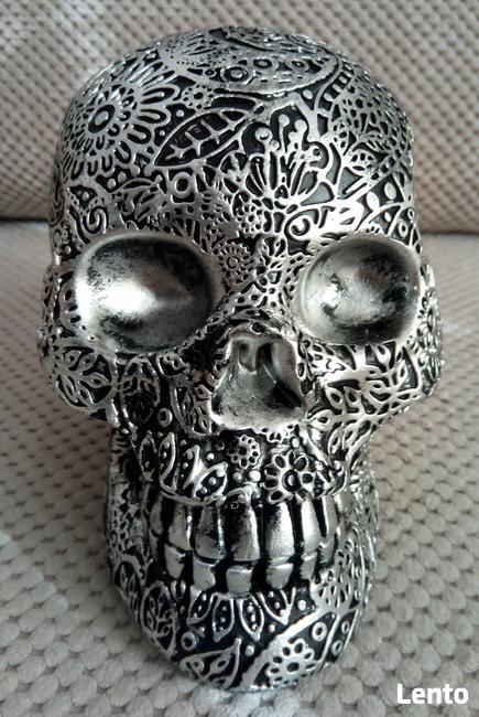 Misternie rzeźbiona srebrna czaszka silver skull