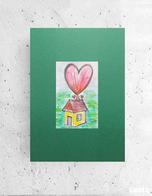 bajkowy plakat z domkiem, domek grafika na scianę