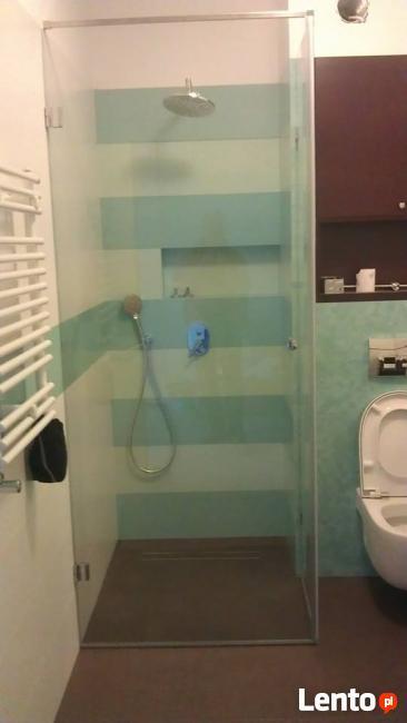 Szklane kabiny prysznicowe, lustra,