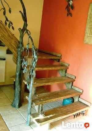 Schody - rustykalne, postarzane, rzeźbione