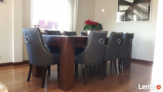 Krzesło chesterfield z kołatką pinezkami pikowane